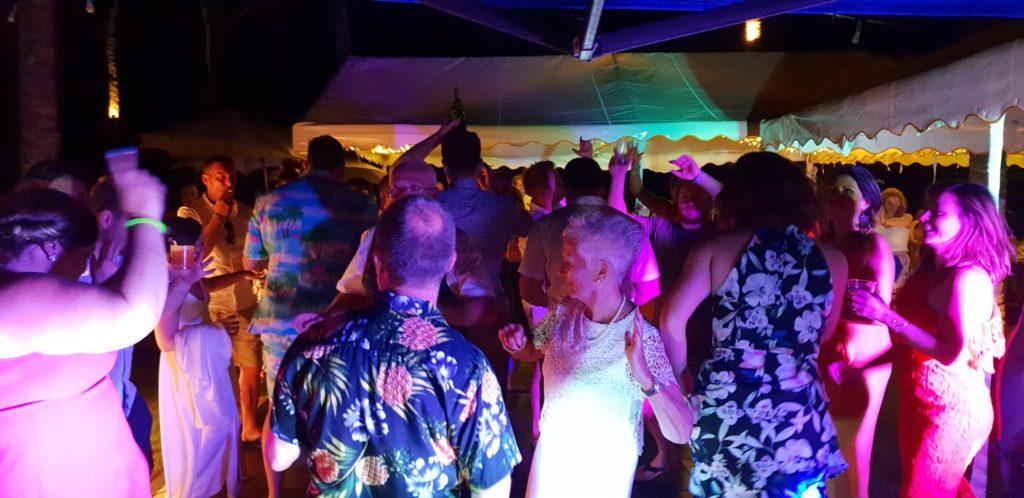 37661389 10155444160121160 8737897052865822720 n 1024x498 - Super Scottish and Australian Wedding at Baan Suriya Koh Samui Thailand