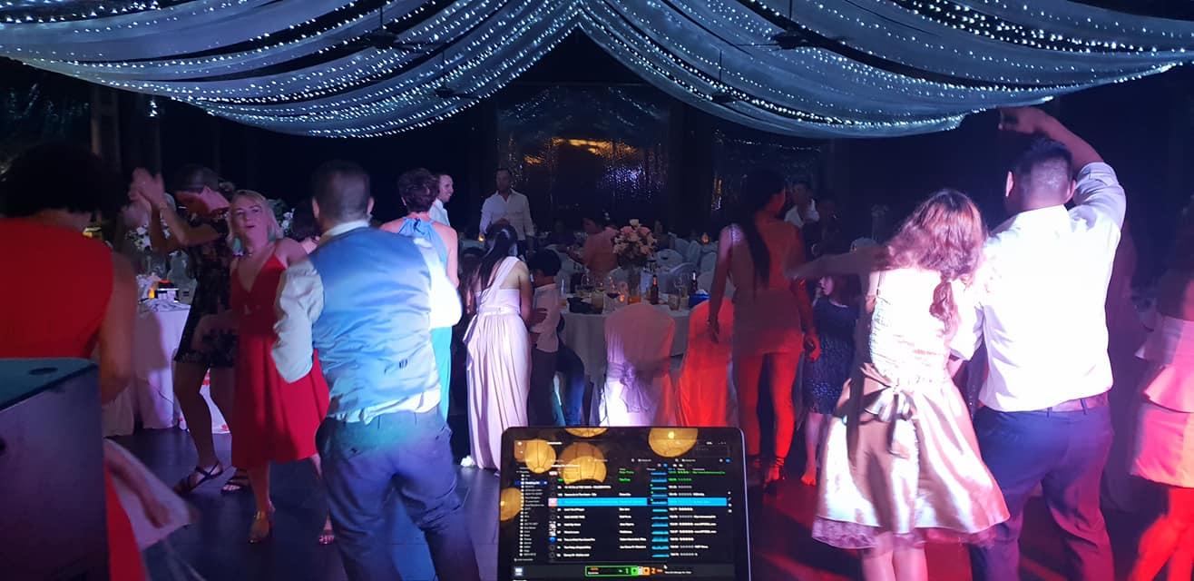 38984979 1633055820157613 4830340144881991680 o - Manora Restaurant at Nora Buri holds huge Thai & Irish Wedding