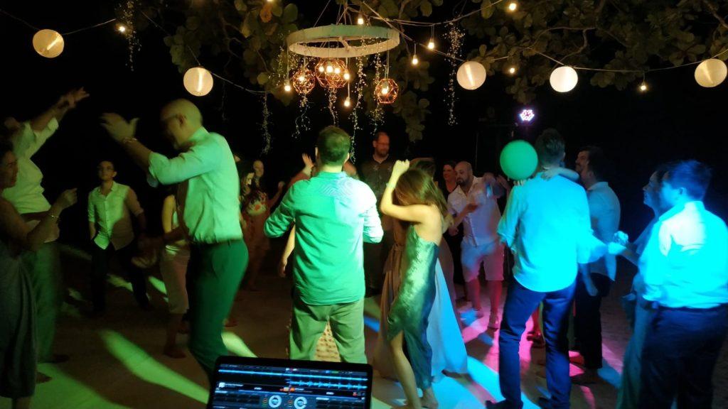 48356531 349328705850884 975872026268925952 n 1024x576 - Vibrant Wedding at Vanabelle