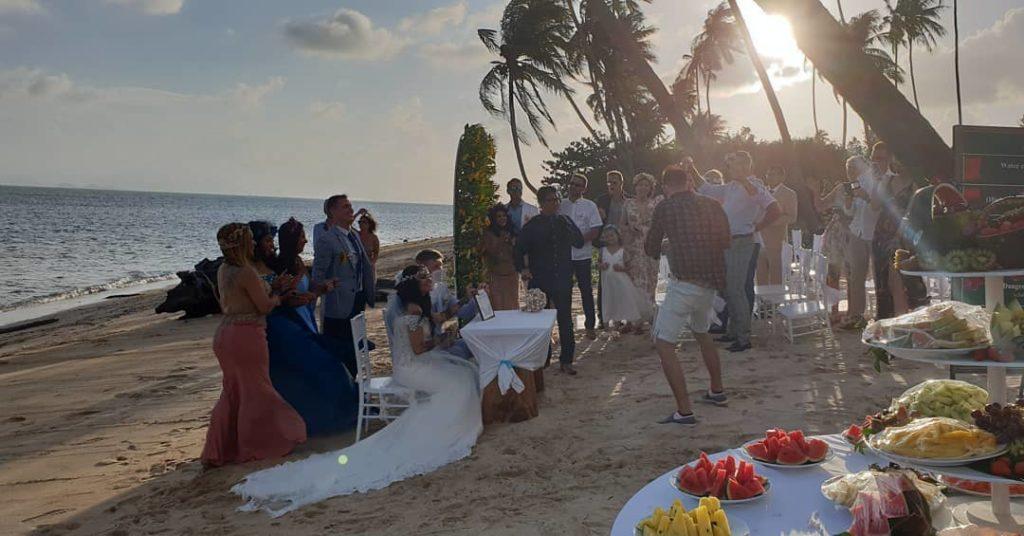 49750969 1835206053275921 891209532145926144 o 1 1024x536 - Sunset Wedding Bliss